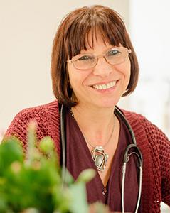Dr. (Univ. Sofia) Sneja Ivanova